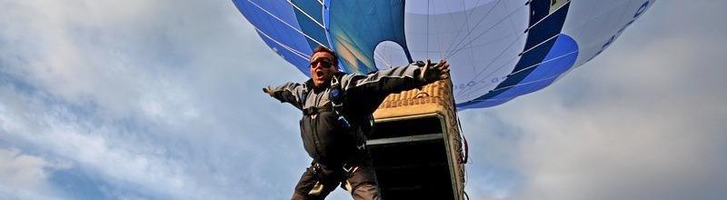 Ballonsprung - Fallschirmspringen aus einem Heißluftballon
