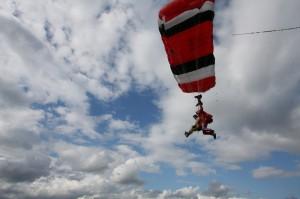Skydive - Landung mit dem Fallschirm